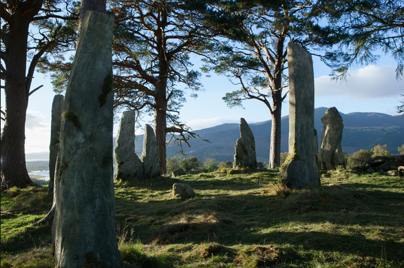 Photo from: http://outlander.wikia.com/wiki/Craigh_na_Dun